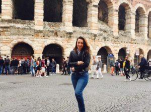 """Diana COJOCARI, este ţarigrădeancă. A făcut studii jurnalistice la Universitate de Stat din Moldova. A activat la Prime TV. Acum, împreună cu familia, se află în Italia. I-am propus colaborare. A acceptat. Iată primul ei material pentru """"Glia drochiană""""."""