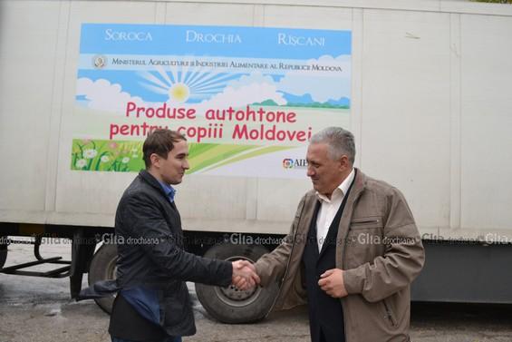 Sergiu GHERCIU, consilierul ministrului agriculturii (în stânga) și Igor GROZAVU, vicepreședintele raionului Drochia