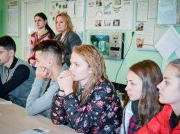"""Voluntarii de la IP LT """"Ștefan cel Mare"""" au studiat profund problema violenței, în special, cea asupra copiilor, atât în familie, cât și în societate"""