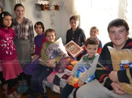 """Casa de copii de tip familial """"Popescu"""", satul Gribova, unde Elena și Gheorghe POPESCU cresc și educă 11 copii"""