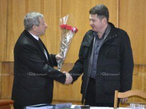 Vasile GRĂDINARU, președintele raionului Drochia,  felicită proaspătul vicepreședinte Vitalie JOSANU