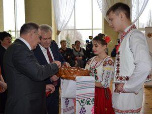 Юные артисты на открытии праздника в Курске