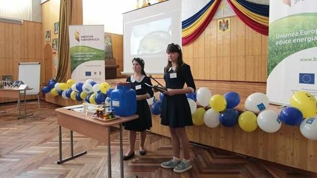 Petronela Ciobanu și Olivia Enache prezintă proiectul