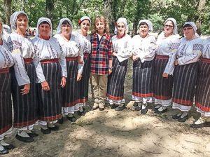 """Ansamblul folcloric """"Sofianca"""" la Festivalul Internațional de la Gura Bâcului"""