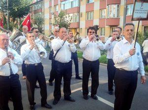 """Fanfara """"Trompetele argintii"""" din Drochia au făcut să răsune Rădăuțul"""