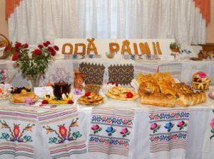 """Cea mai nobilă expoziție """"Odă pâinii"""" susținută de gosodinele satului"""