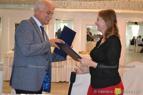"""Moment istoric: """"Acordul de cooperare şi parteneriat între Asociaţia de Dezvoltare Intercomunitară """"Zona Metropolitană Botoşani"""" şi Asociaţia Obştească """"Centrul de Resurse """"Univers"""", a fost semnat de Florin Simion Egner şi Cristina Ţurcanu"""