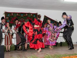 Tinerii pelinieni s-au aruncat în iureșul unui dans țigănesc
