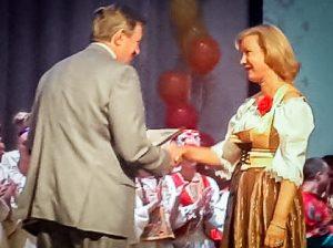 Вручение диплома лауреата фестиваля