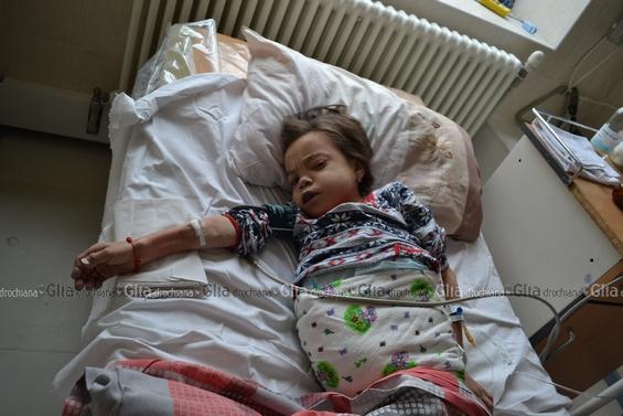 """PP """"Glia drochiană"""" este un săptămânal şi, respectiv, e dificil să fim operativi. Cazul Niculinei Bulat, ce avuse loc la final de săptămâna precedentă, a fost conceput în alt mod. Dar timp de o săptămână evenimentele au derulat divers, decesul fetei a spulberat multe, inclusiv, şi relatările iniţiale."""