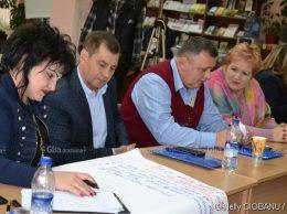 Ala BUGAI (Drochia) și Pavel CASIAN (Telenești) în cadrul atelierului de lucru
