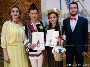 Coronița Marianei Gabriela MANOLI și Andrei Mircea FLUTUR, alături de moderatorii Cristina ȚURCANU și Nicolae COVALI