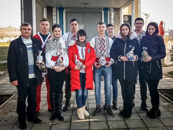 Echipa de voluntari din satul Hăsnășenii Mari