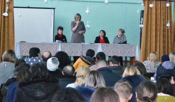 """Svetlana CAPCELEA, manager, IP LT """"Ștefan cel Mare"""", or. Drochia, răspunde la întrebările părinților"""