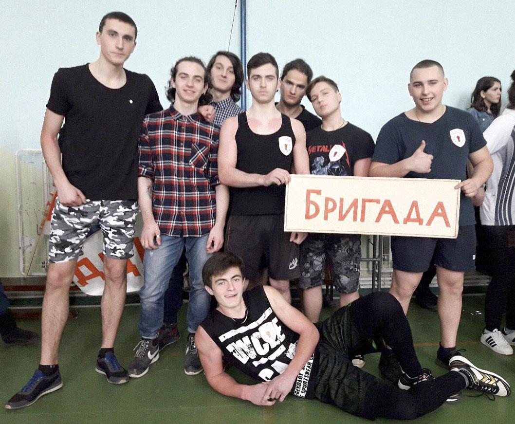11А класс. Победители конкурса «Парни бравые» 1 место