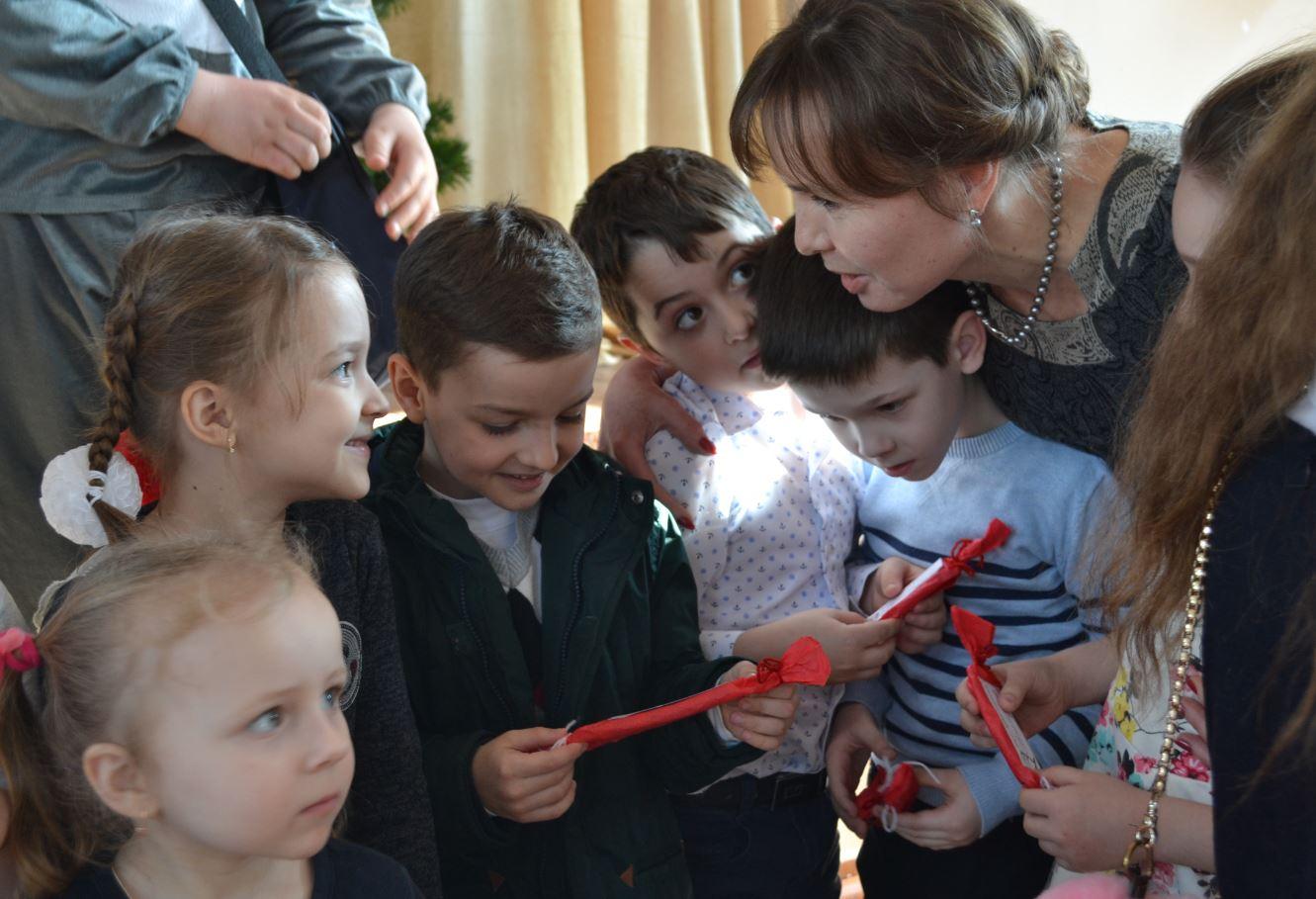 Viorica CUCER de la 1 septembrie va deveni prima învățătoare pentru acești copii curioși