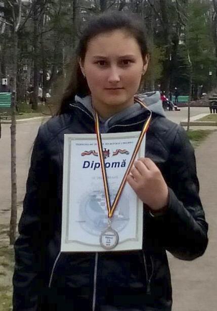 Evelina BUJOR își etalează trofeele