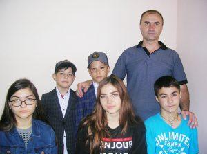 Тренер Сергей БЕЖАН со своими воспитанниками