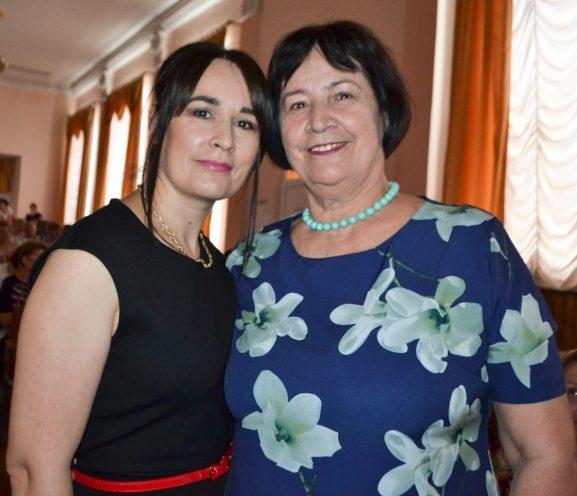 Liliana MOROŞAN, medic de familie, cu mama Galina BAIDAUZ, asistentă medicală