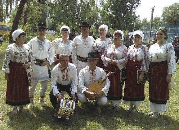 """Formaţia """"Busuioc"""" mereu a fost una din cărţile de vizită ale raionului Drochia"""