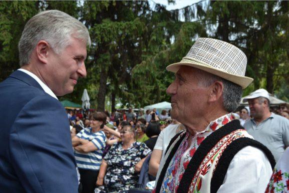 Deputatul Corneliu PADNEVICI ascultă păsul băștinașilor