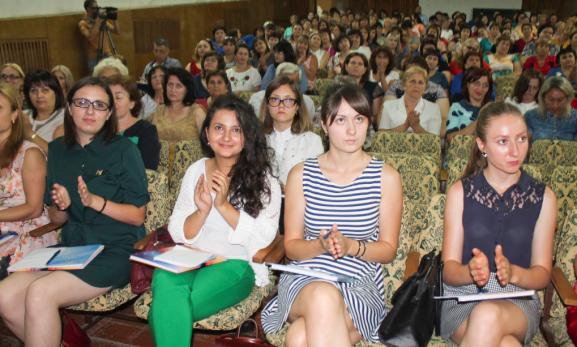 Conferința pedagogică. În prim plan tinerii specialiști: Cristina ȘCERBANI, Ana-Maria BARBĂROȘ, Victoria DANII, Victoria STATNIC