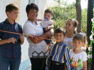 Rodica CARPENCO cu cei cinci copii ai săi