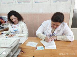 (De la stânga) Asistentele medicale Aurelia și Ana PÂRȚU
