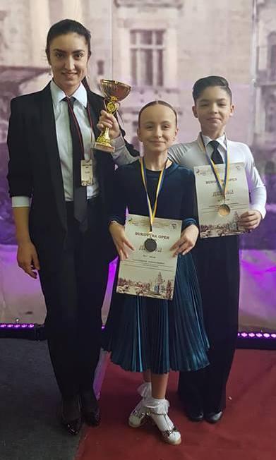 Daniela ZAPOROJAN cu Ecaterina VASIN și Vlad CROITORU