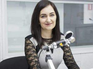 """Interpreta Adriana SPUNEI, care și-a făcut din """"operă și canto academic"""" un destin frumos"""