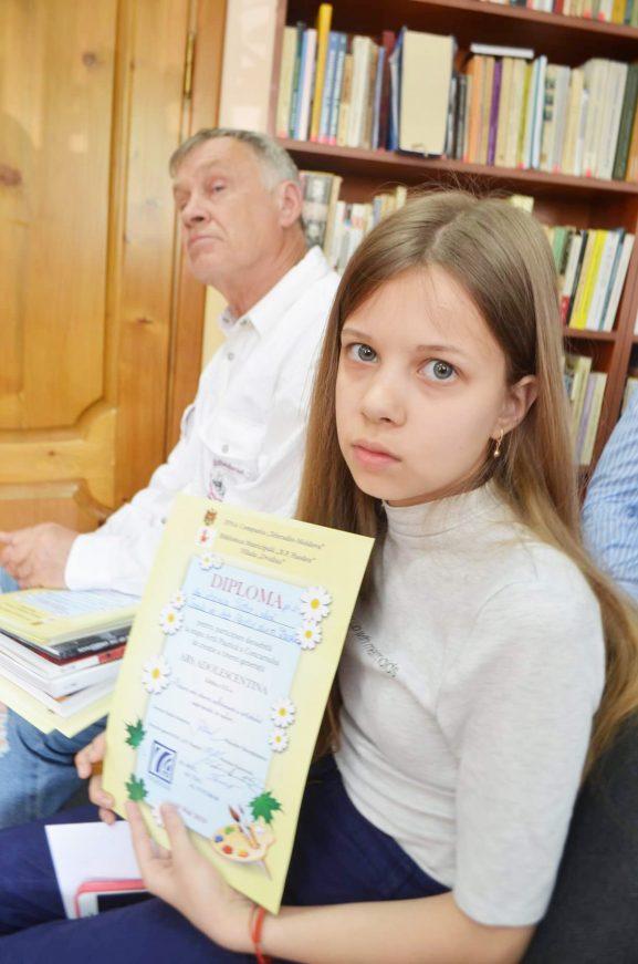 Ксения ТЕТКО с дипломом от жюри Adolescentina