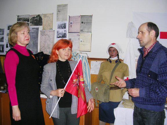 Среди первых посетителей Елена РУССУ и Лидия МАНЗЮК