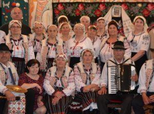 Artiștii și melomanii din cele două sate vecine: Sofia și Pelinia, împreună cu primarii localităților