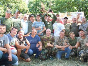 Echipa de vânători din s. Mândâc - mândri și bucuroși de trofeul câștigat