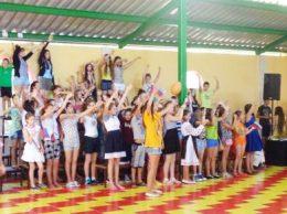 Веселые соревнования в лагере