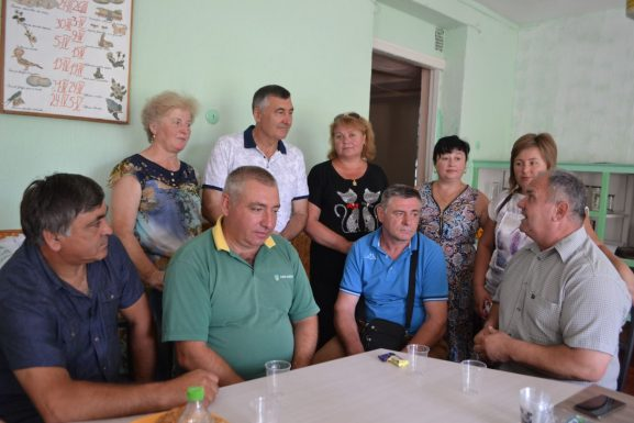 Băștinașii și diaspora discută cu primarul Veaceslav MAGALEAS