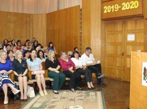 La tribuna conferinței pedagogilor - Ion DASCAL, președintele raionului Drochia