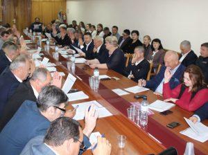 Consilierii raionali, întruniți în ultima ședință din cadrul mandatului 2015-2019