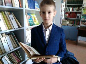 Cătălin CUCUIETU - beneficiar activ al bibliotecii și colecționer de monede