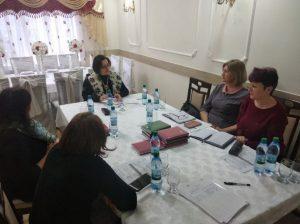 Svetlana CHIFA discută cu participanţii la seminar