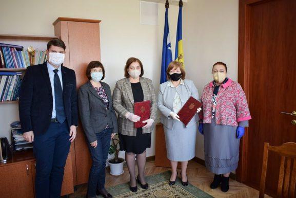 Galina ZAVOROTNÎI, şefă, Direcţia ocuparea forţei de muncă DrochiaGalina ZAVOROTNÎI, şefă, Direcţia ocuparea forţei de muncă Drochia