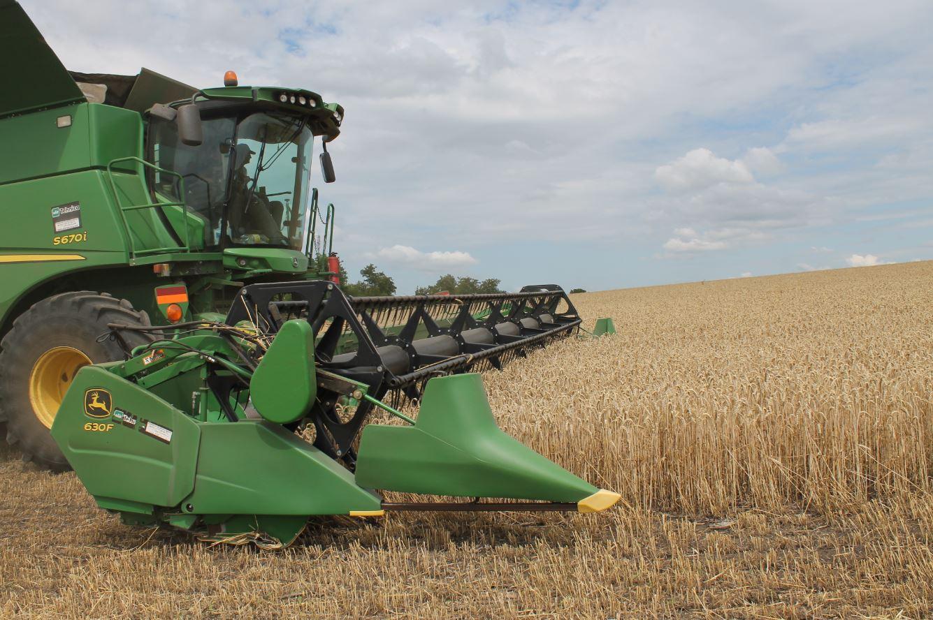 Agricultura contemporană, între armonie şi dificultăţi